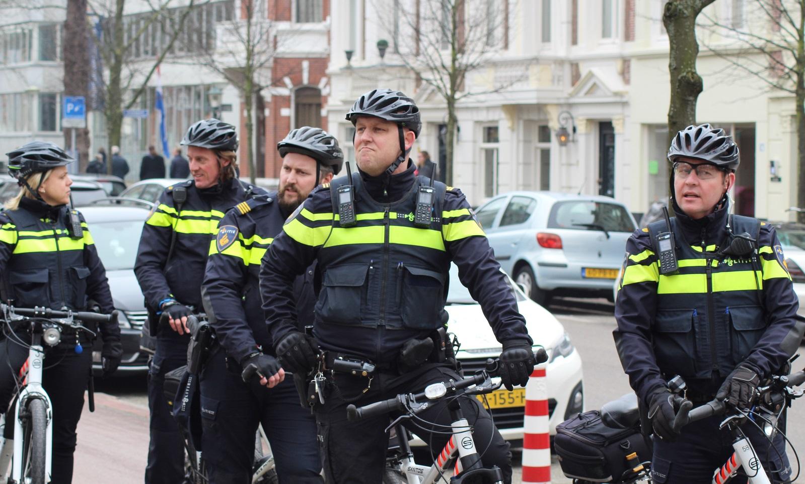 Agenten op fiets